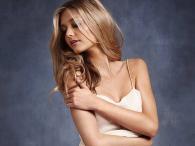 Mathilde Frachon - bielizna Victoria's Secret