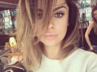 Natalia Siwiec w rozjaśnionych włosach