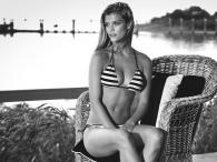 "Nina Agdal w bikini ""Banana Moon"""