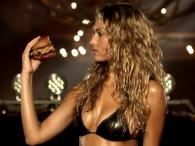 Paris Hilton i Hannah Ferguson w gorącej reklamie Carl's Jr.